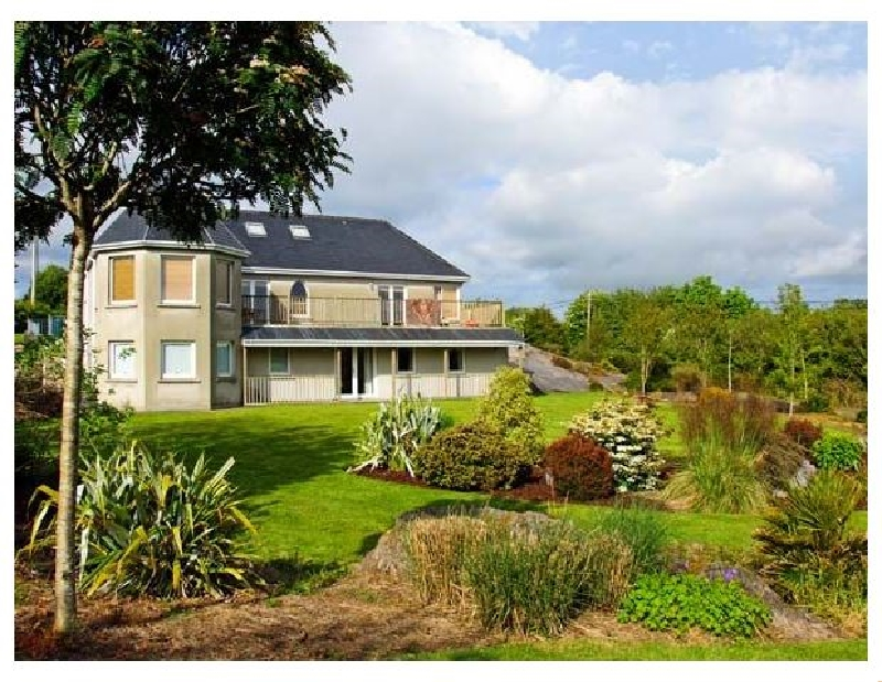 Bluebell House and Gardens a british holiday cottage for 14 in ,