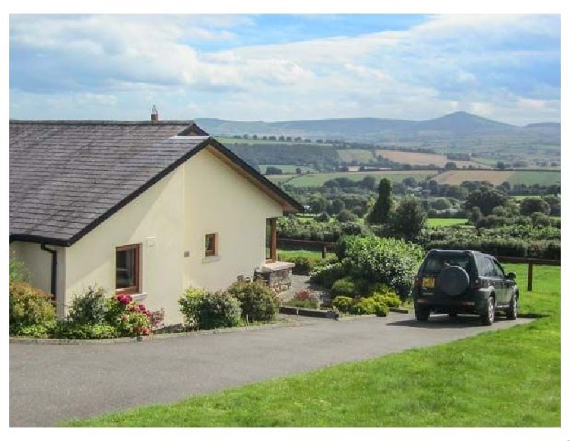 Click here for more about Minmore Farm Cottage