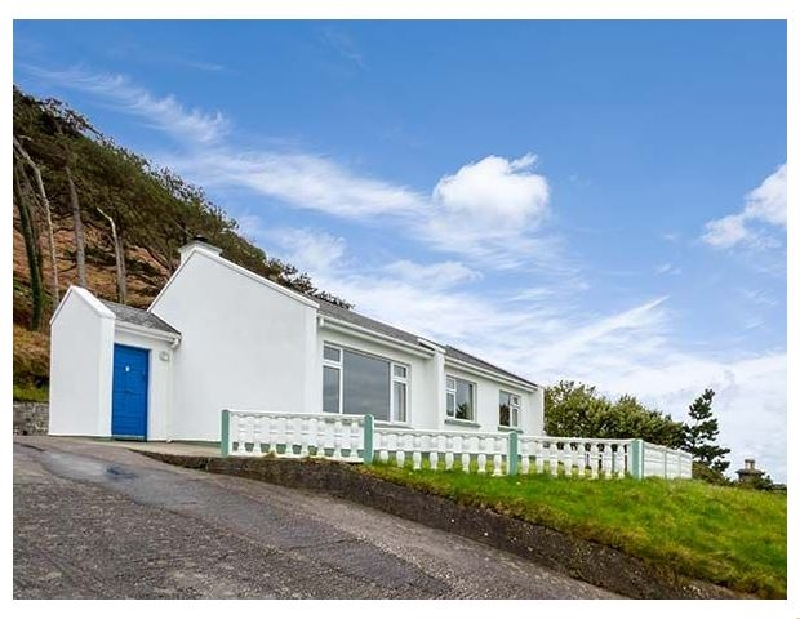 Rossbeigh Beach Cottage No 6 a british holiday cottage for 7 in ,