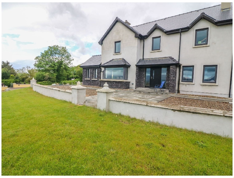 Carraig House a british holiday cottage for 8 in ,