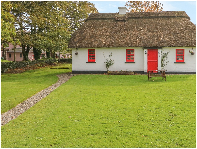 No. 9 Tipperary Thatched Cottages a british holiday cottage for 6 in ,