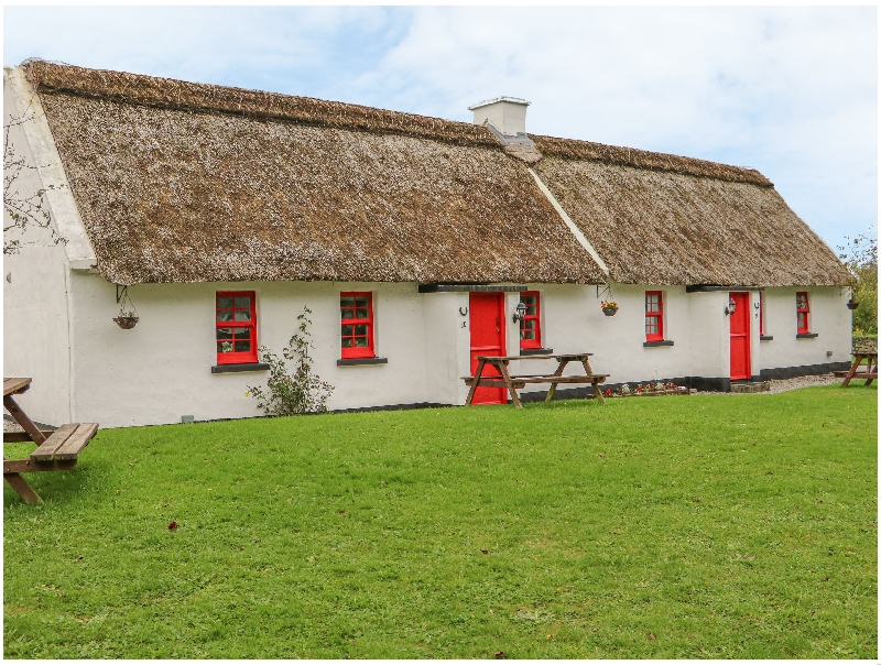 Click here for more about No. 10 Tipperary Thatched Cottage